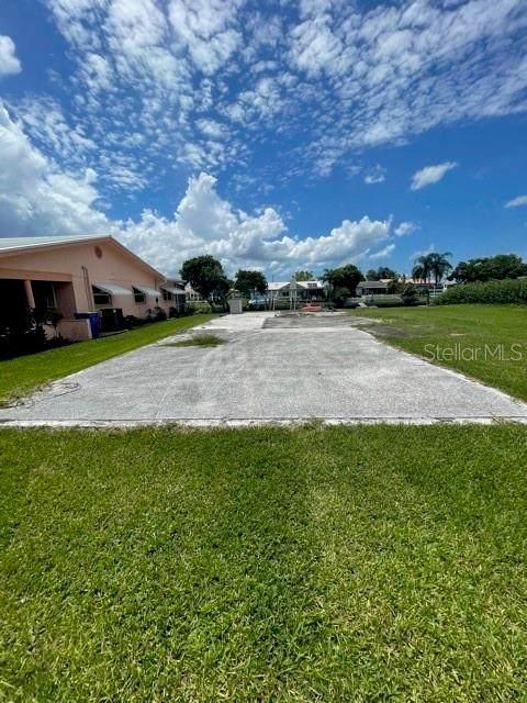 4214 Floramar Terrace, New Port Richey, FL 34652 (MLS #U8133637) :: Premium Properties Real Estate Services