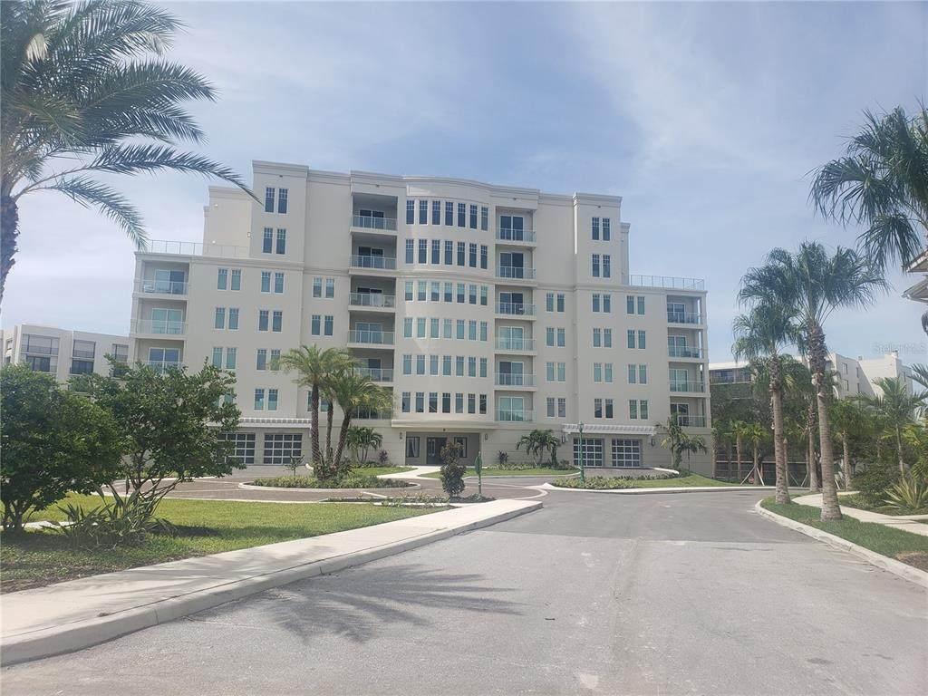 8 Palm Terrace - Photo 1