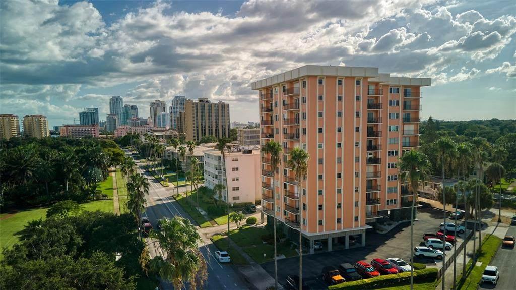 1120 Shore Drive - Photo 1