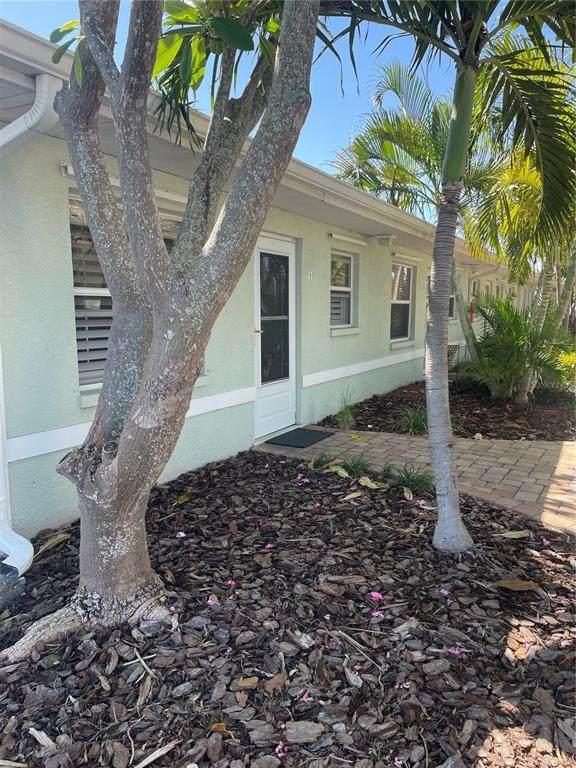 9040 Blind Pass Road B1, St Pete Beach, FL 33706 (MLS #U8140321) :: Kelli Eggen at RE/MAX Tropical Sands