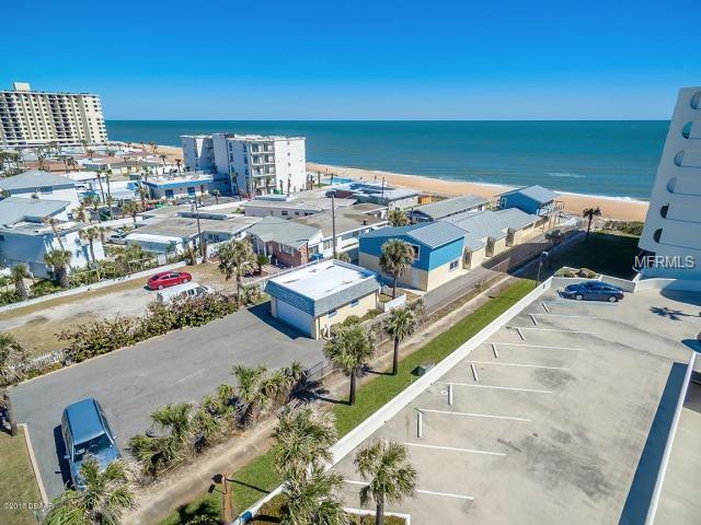 1299 Ocean Shore Boulevard, Ormond Beach, FL 32176 (MLS #V4901359) :: Gate Arty & the Group - Keller Williams Realty