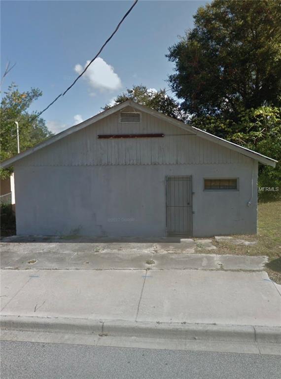 921 S Adelle Avenue, Deland, FL 32720 (MLS #V4904880) :: Florida Life Real Estate Group