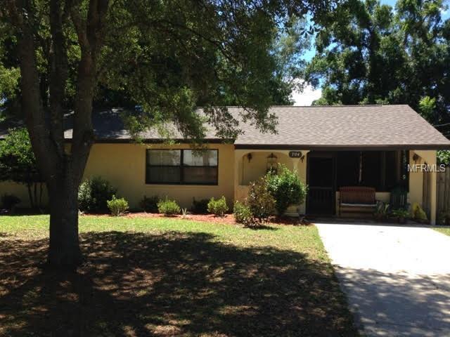 704 E Grove Place, Deland, FL 32724 (MLS #V4906864) :: CENTURY 21 OneBlue