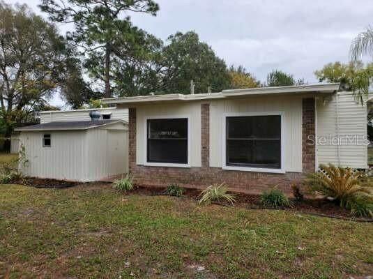 449 King Charles Circle, Deland, FL 32724 (MLS #V4912131) :: The Duncan Duo Team