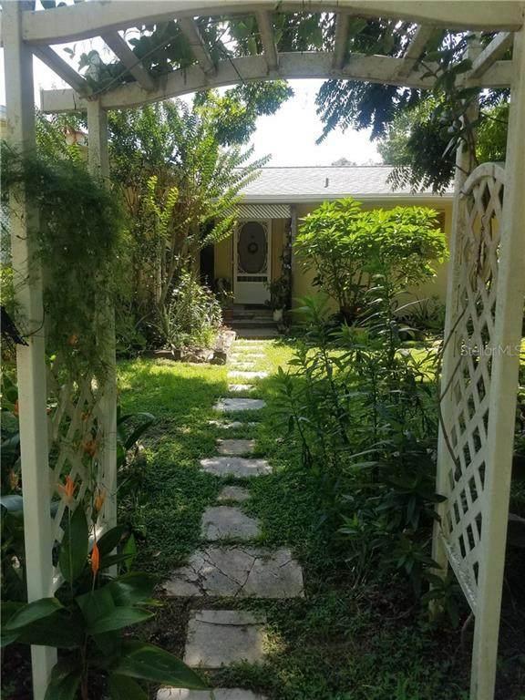 1950 Oak Lane, Orange City, FL 32763 (MLS #V4915845) :: Florida Life Real Estate Group