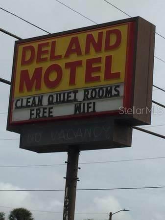1340 N Woodland Boulevard, Deland, FL 32720 (MLS #V4917395) :: Florida Life Real Estate Group