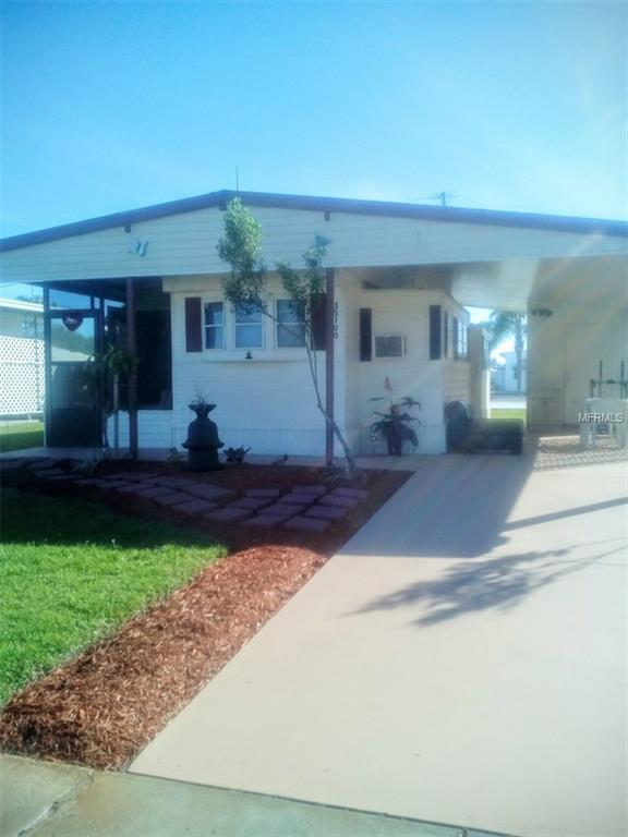 35100 Danny Drive, Zephyrhills, FL 33541 (MLS #W7800208) :: The Duncan Duo Team