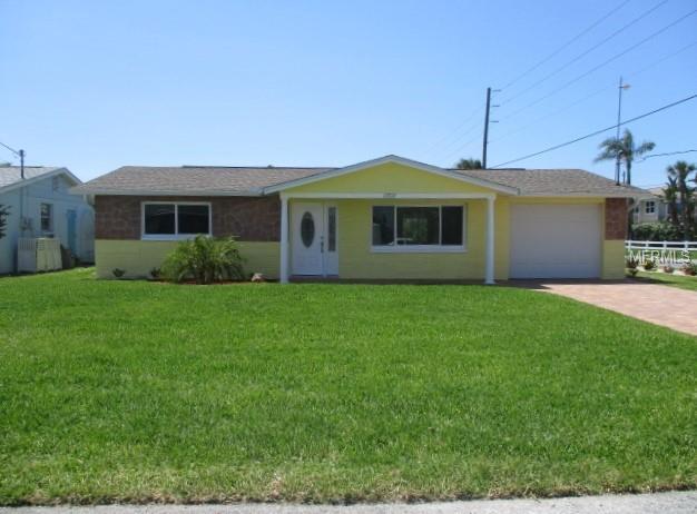 13717 Lagoon Drive, Hudson, FL 34667 (MLS #W7800932) :: Griffin Group