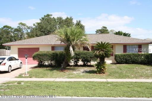 9281 Northcliffe Boulevard, Spring Hill, FL 34606 (MLS #W7806969) :: Burwell Real Estate