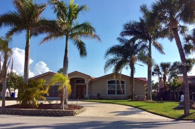 3300 Floramar Terrace, New Port Richey, FL 34652 (MLS #W7809710) :: The Duncan Duo Team