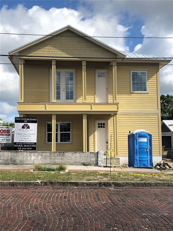 129 E Orange Street, Tarpon Springs, FL 34689 (MLS #W7811804) :: Myers Home Team