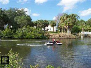 Lot 22 Brightwaters Court, New Port Richey, FL 34652 (MLS #W7815602) :: Gate Arty & the Group - Keller Williams Realty Smart