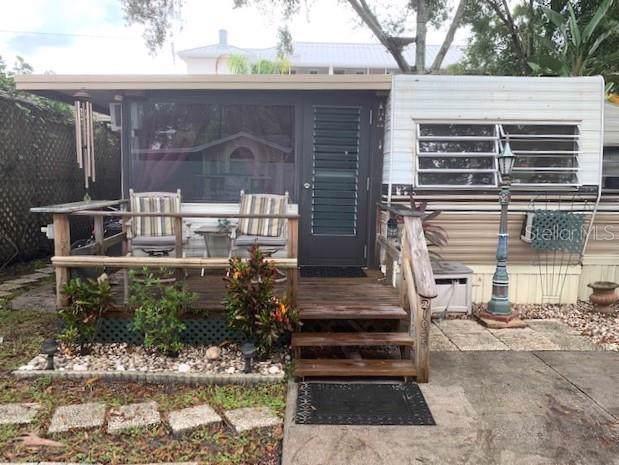 21045 Lazy Days Circle, Lutz, FL 33558 (MLS #W7817341) :: Bridge Realty Group