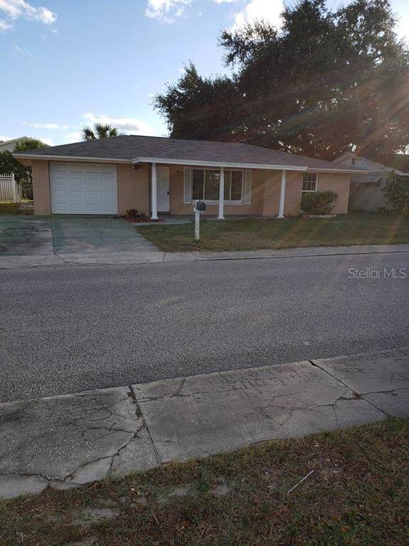 6746 Sandalwood Drive, Port Richey, FL 34668 (MLS #W7818590) :: Florida Real Estate Sellers at Keller Williams Realty