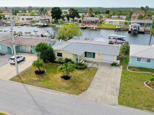 12633 4TH Isle, Hudson, FL 34667 (MLS #W7820541) :: GO Realty