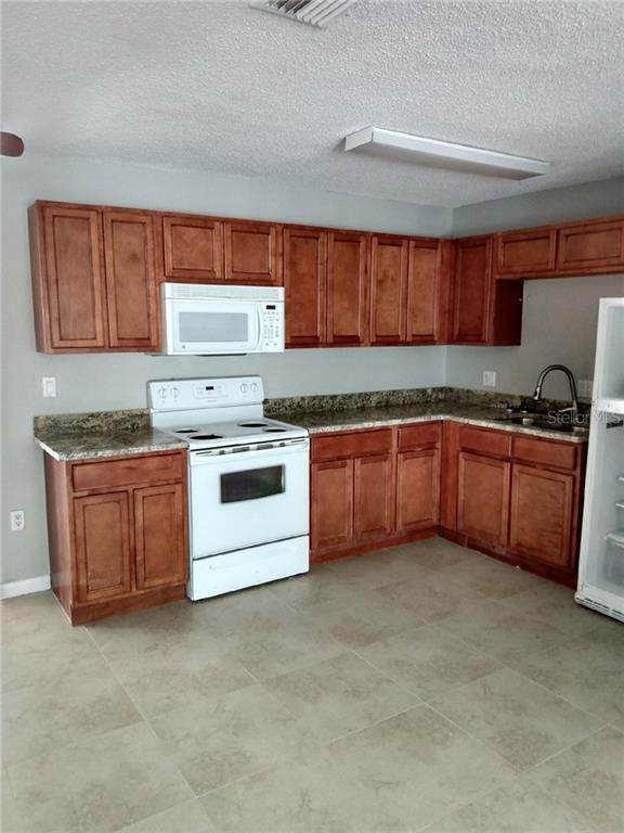 3212 21ST Avenue W, Bradenton, FL 34205 (MLS #W7822268) :: CENTURY 21 OneBlue