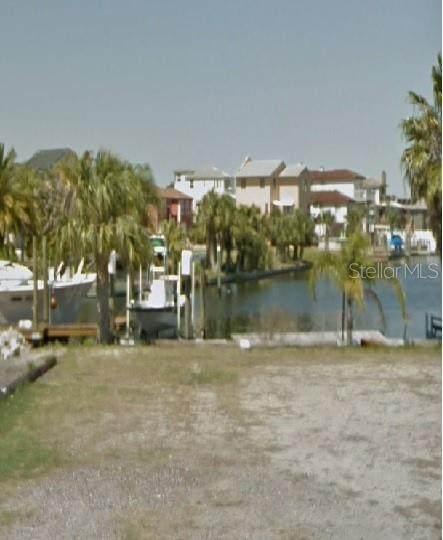 6437 Clark Street, Hudson, FL 34667 (MLS #W7831792) :: Rabell Realty Group