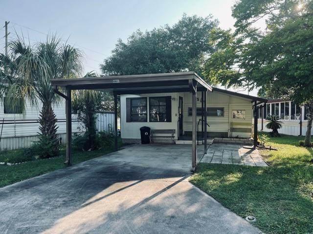 9584 Gray Fox Drive, Weeki Wachee, FL 34613 (MLS #W7836316) :: Sarasota Property Group at NextHome Excellence