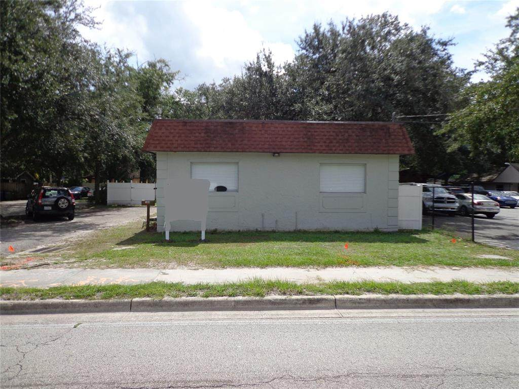 1904 W Waters Ave - Photo 1