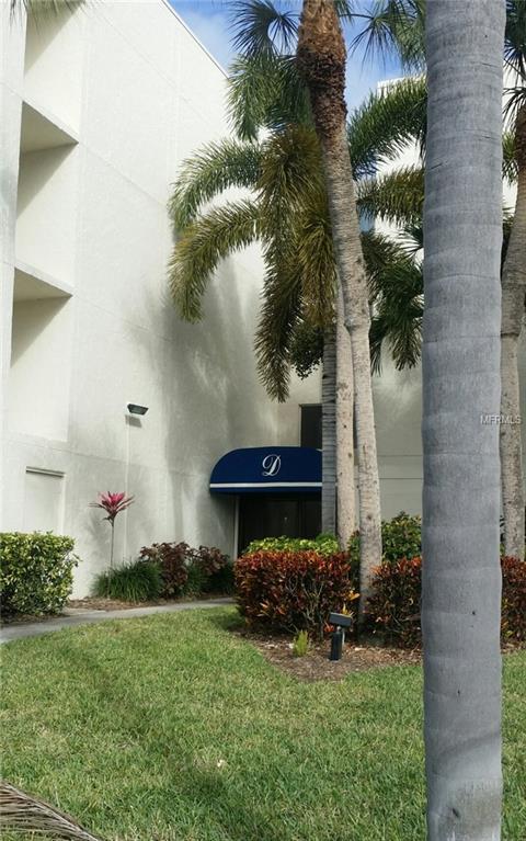 6116 43RD Street W 208D, Bradenton, FL 34210 (MLS #A4208582) :: The Duncan Duo Team