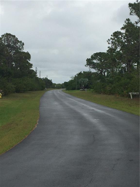 135 Hardee Way, Rotonda West, FL 33947 (MLS #A4403218) :: The Duncan Duo Team
