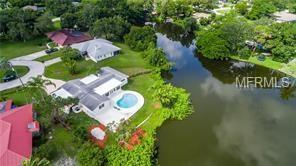 700 W Lake Circle, Sarasota, FL 34232 (MLS #A4409379) :: The Light Team