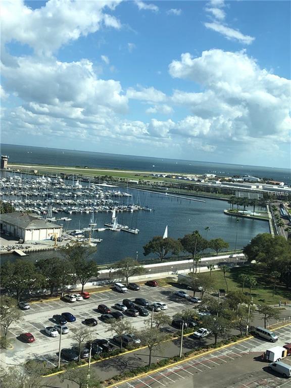 1 Beach Drive SE #1407, St Petersburg, FL 33701 (MLS #A4428568) :: Lockhart & Walseth Team, Realtors