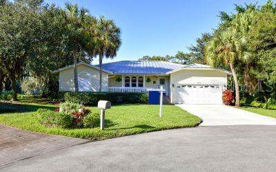 4410 Friar Tuck Lane, Sarasota, FL 34232 (MLS #A4484613) :: Griffin Group