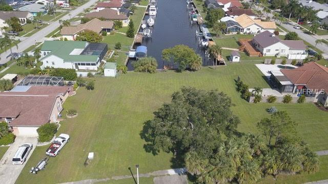 172 Cousley Drive SE, Port Charlotte, FL 33952 (MLS #C7407008) :: Mark and Joni Coulter | Better Homes and Gardens