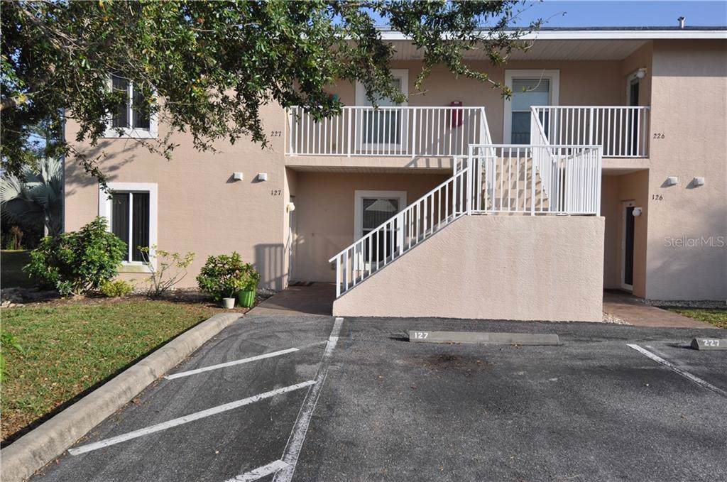 9800 Fiddlers Green Circle - Photo 1