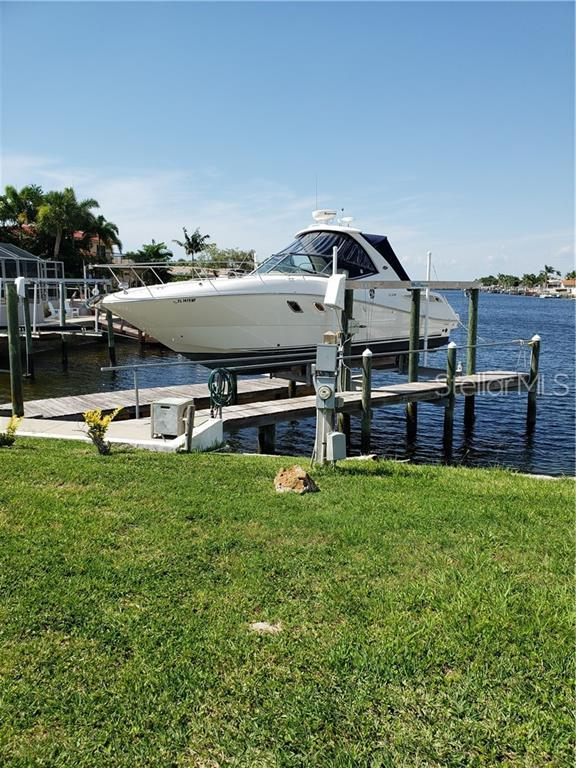 3333 Floramar Terrace, New Port Richey, FL 34652 (MLS #G5017434) :: Delgado Home Team at Keller Williams