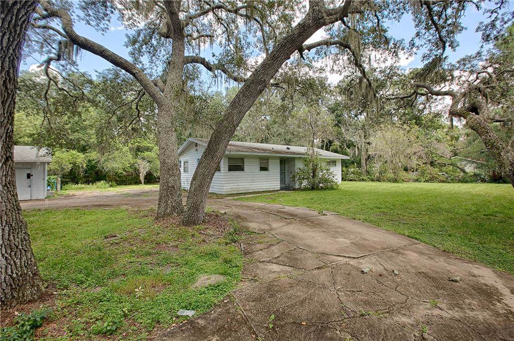 18511 State Road 44 - Photo 1