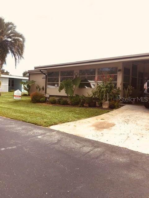 4 Great Oak Drive, Fruitland Park, FL 34731 (MLS #G5046585) :: Vacasa Real Estate