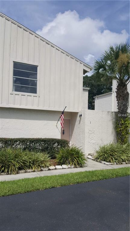2025 Sylvester Road M1, Lakeland, FL 33803 (MLS #L4902920) :: The Duncan Duo Team