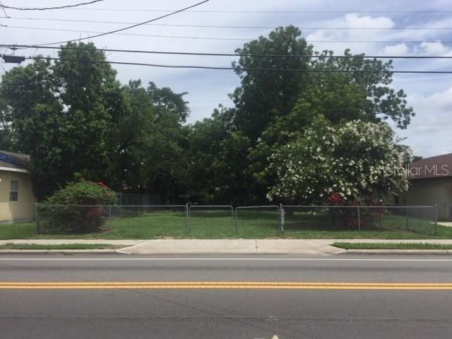1135 W 10TH Street, Lakeland, FL 33805 (MLS #L4908838) :: The Duncan Duo Team