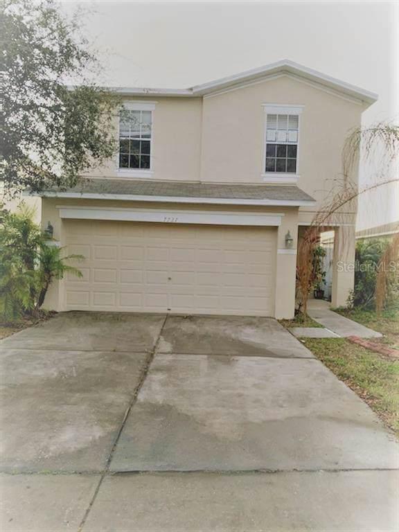 Address Not Published, Gibsonton, FL 33534 (MLS #O5834604) :: Team Pepka