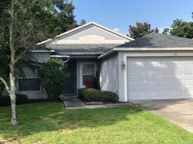 611 Horseman Drive, Oviedo, FL 32765 (MLS #O5895828) :: Tuscawilla Realty, Inc