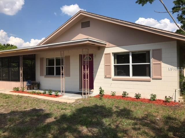 702 Maggie Circle, Winter Haven, FL 33880 (MLS #P4900437) :: The Duncan Duo Team