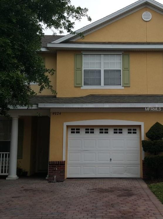 4924 Poolside Drive, Saint Cloud, FL 34769 (MLS #S5015087) :: NewHomePrograms.com LLC