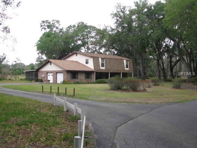 1002 Crocker Lane, Plant City, FL 33565 (MLS #T2937139) :: The Duncan Duo Team