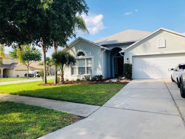 15811 Cedar Elm Terrace, Land O Lakes, FL 34638 (MLS #T3104622) :: The Duncan Duo Team