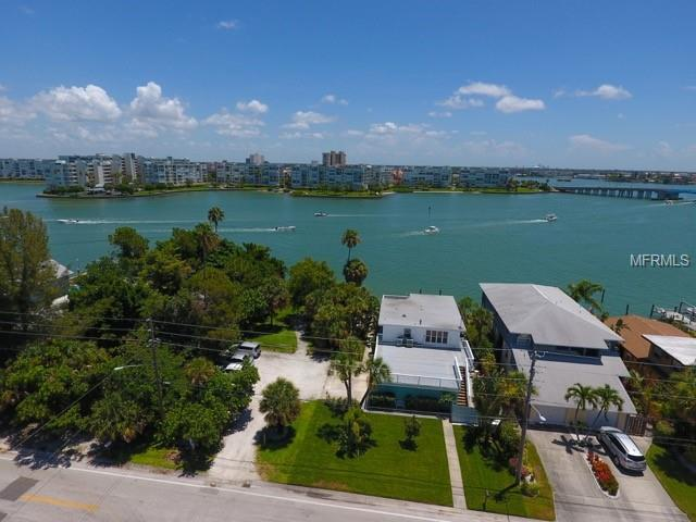 7885 Boca Ciega Drive, St Pete Beach, FL 33706 (MLS #T3119929) :: The Lockhart Team