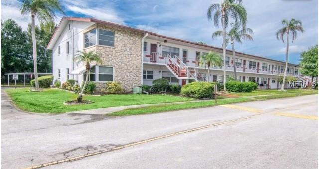 2050 58TH Avenue N #6, St Petersburg, FL 33714 (MLS #T3161634) :: RE/MAX Realtec Group