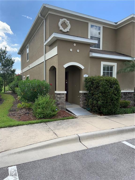 2037 Greenwood Valley Drive, Plant City, FL 33563 (MLS #T3177678) :: The Duncan Duo Team