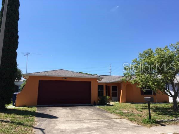 7244 Isle Drive, Port Richey, FL 34668 (MLS #T3178240) :: The Duncan Duo Team