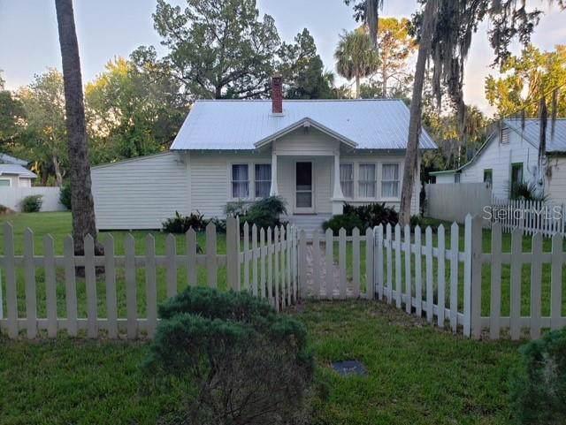 5113 Riverside Drive, Yankeetown, FL 34498 (MLS #T3192765) :: Cartwright Realty