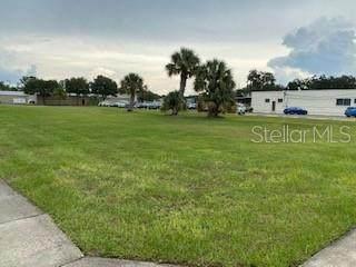 101 E Clifford Avenue, Eustis, FL 32726 (MLS #T3268075) :: BuySellLiveFlorida.com