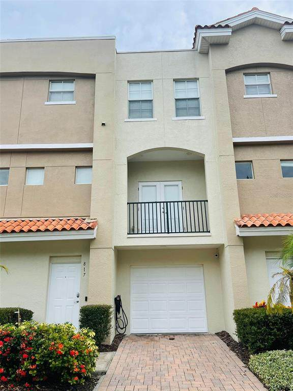 817 100TH Avenue N, St Petersburg, FL 33702 (MLS #T3312883) :: The Hustle and Heart Group