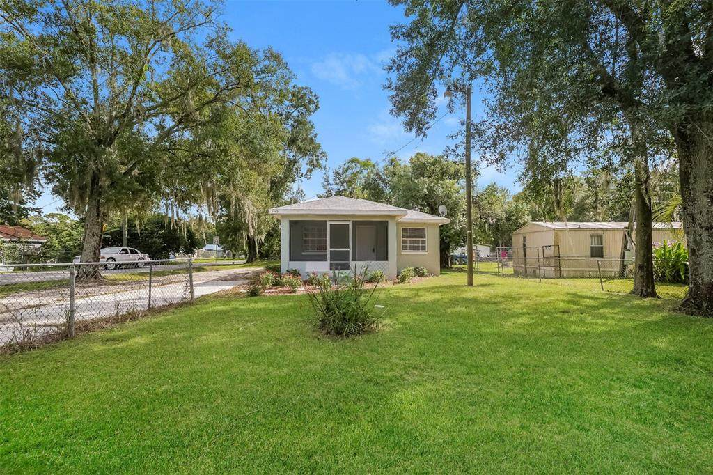2402 Old Tampa Highway - Photo 1