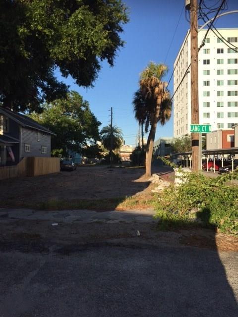 335 Lang Court N, St Petersburg, FL 33701 (MLS #U7819762) :: The Duncan Duo Team